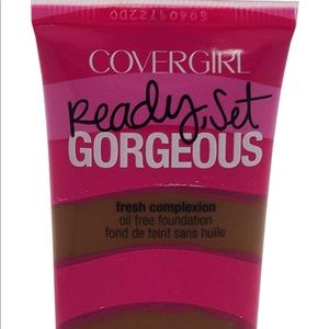 COVERGIRL Ready Set Foundation Soft Sable 320,